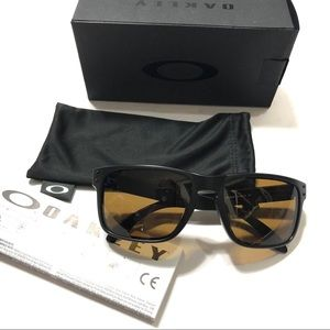 9c88d5567c Oakley Accessories - Oakley Polarized Holbrook Sunglasses NIB